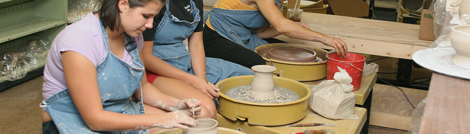 Photo of pottery class