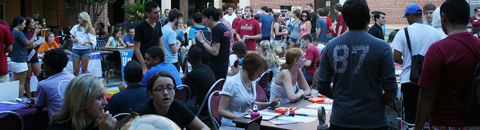 Photo of students at an involvement fair